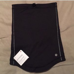 Last 2!  NWT Lululemon Run It Out Neck Warmer